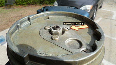 Evinrude 10 HP 1960 flywheel removal
